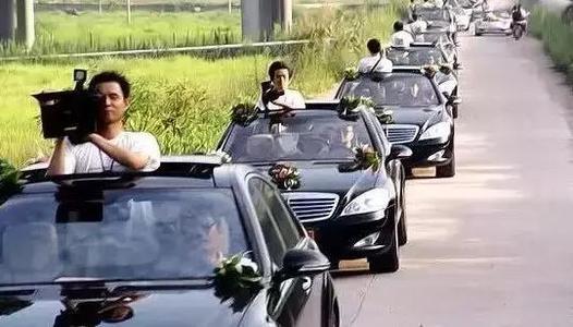时尚摄影:结婚摄像车用什么车  结婚摄像车注意事项有哪些0
